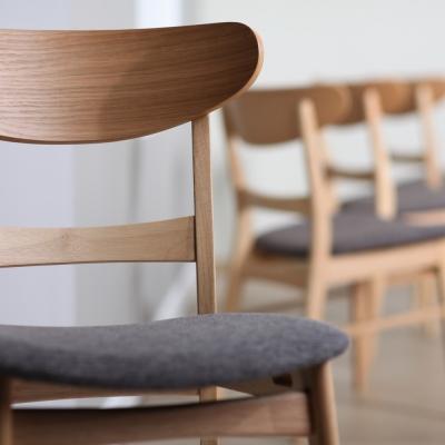 Pusdienu un bāra krēsli